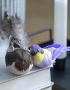 Kunstige fugle & insekter til dekorative formål | Brøndsholm A/S