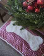 Find pyntepuder i utallige designs og farver online ⇒ Brondsholm.dk
