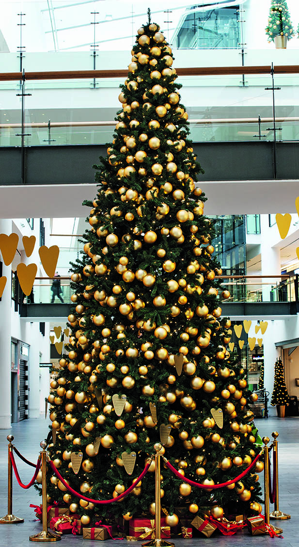 flot pyntet juletræ